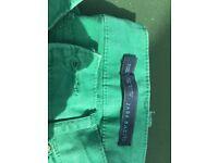 Zara. Green cropped jeans. Size 10.