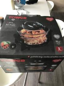 Air fryer by Tower