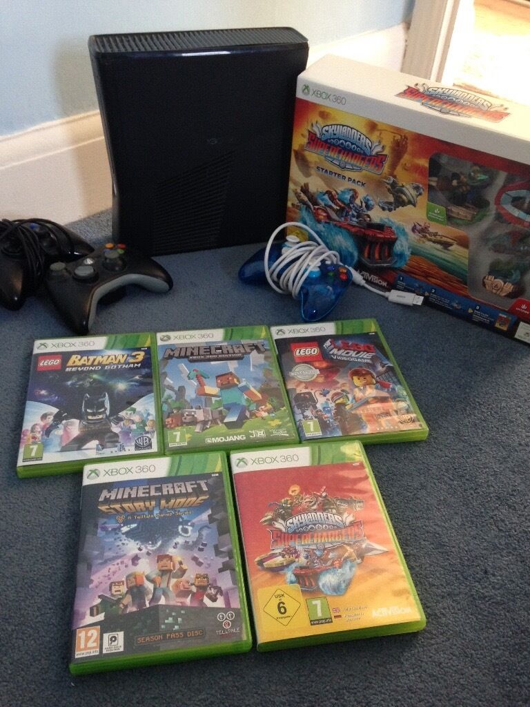 Xbox 360 with games Andy accessories