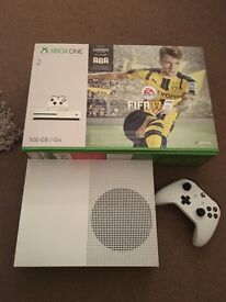 Xbox one s mint condition 500gb with box