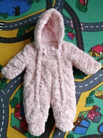 Baby girl winter suit 0-3 months