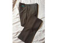 BNWT men's trousers 28R