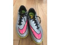 Size 7 Nike Astro trainers