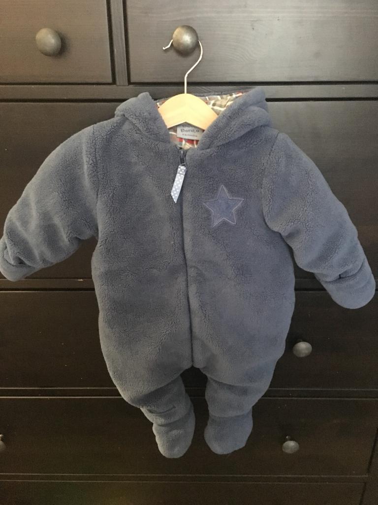 c68a6a78164b Baby snow suits 3-6 months