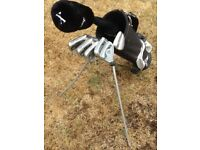 Golf Clubs – Dunlop, complete with bag