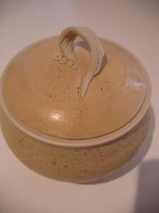 RENATA PODLOG POTTERY LIDDED POT