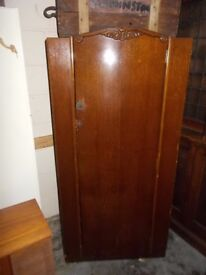 VINTAGE 1940s WARDROBE IN VERY GOOD CONDITION FREE LOCAL DELIVERY 07486933766
