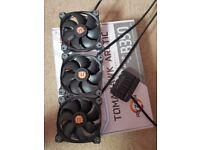 Thermal Take Riing 12 RGB Fans with Fan Contoller