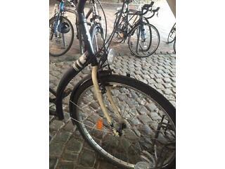 Elops 100 Dutch Style City Bike B'TWIN, very new and comfortable! Includes bike lock.