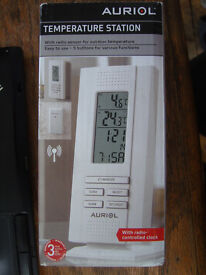NEW Temperature station indoor and outdoor Thermometer temperature and radio controlled clock
