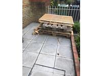 Free pallets in central London (oval)