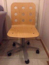 GONE PENDING COLLECTION Free IKEA Desk Chair Pick Up Erskine