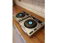 Pair of Pioneer CDJ 800 mk2 - excellent condition