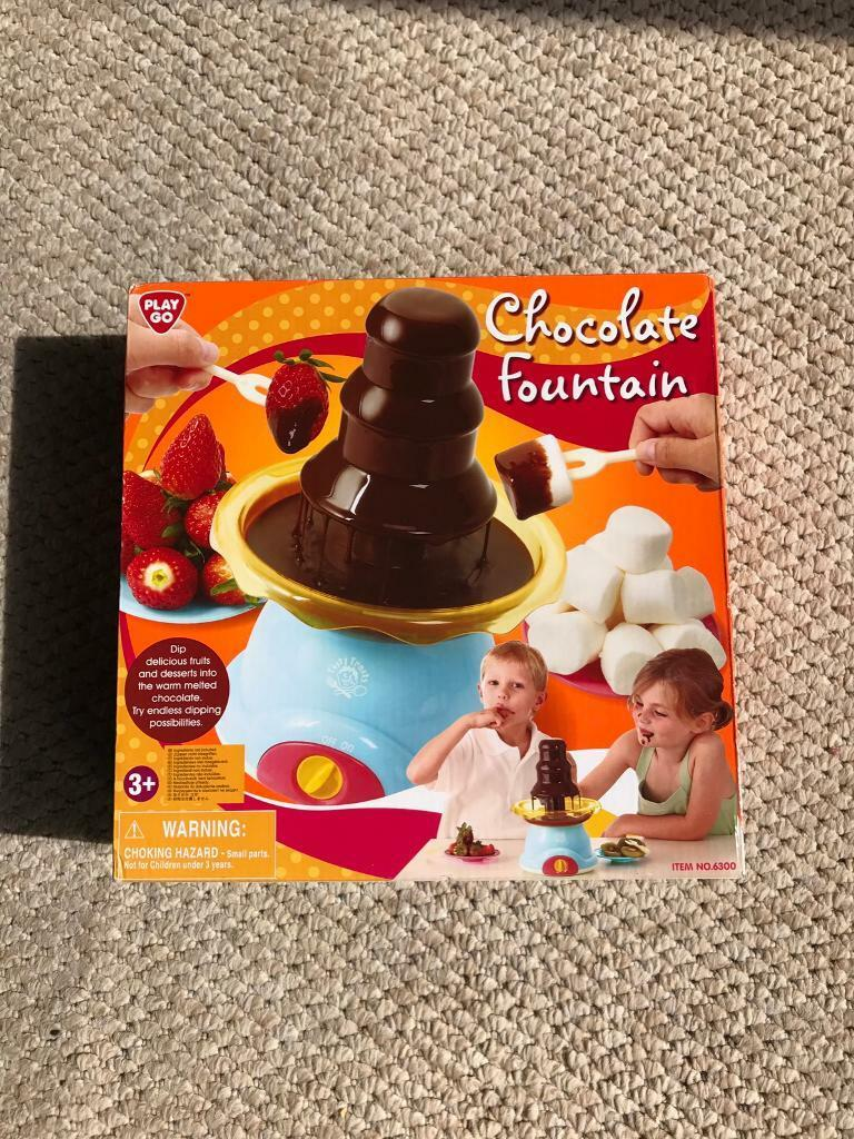 Kids chocolate fountain and chocolate coin maker