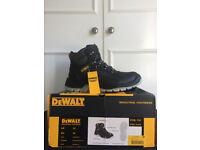 HARLOW ESSEX NEW Mens DeWalt LASER BLACK Industrial boots Size 10 EU 44 DWF50031-122 Work / safety