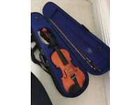 3/4 size Yamaha Violin, with chin rest