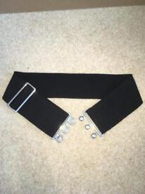 Extendable elastic belt