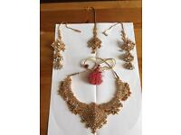Stunning Indian Pearl Necklace, Earring and Tikli Set.