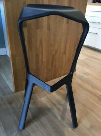 Plank Miura bar stools