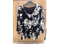 **BRAND NEW NEVER BEEN WORN** Womens size 12 black & white floral patterned V neck top from Zara