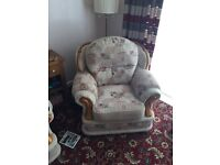 Immaculate 3 piece suite for sale