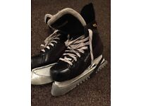 Bauer 140 ice skates uk size 5.5 with guards