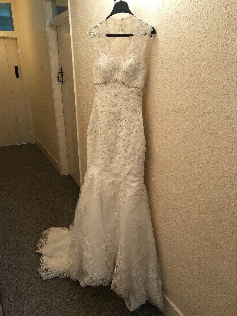 Wedding Dress Size 8 Trumpet Style Vintage Lace Backless Underskirt Included Tulle Layer Torn In Wallingford Oxfordshire Gumtree