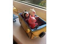 Peppa Pig Small Camper Van plus 2 extra friends