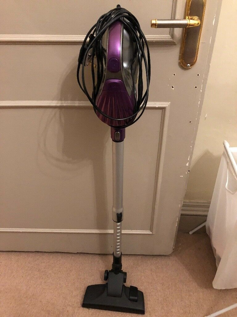 Bush V8211 Lightweight Bagless Upright Vacuum Cleaner used