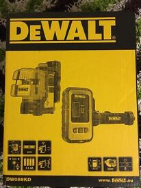 dewalt laser new boxed dw089kd