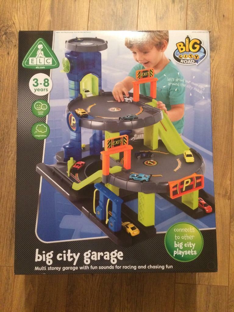 Little Tikes Fun Elevator And Car Wash Multi Storey Garage Set