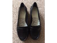 Clarks cushion soft size 7 wide fit brand new