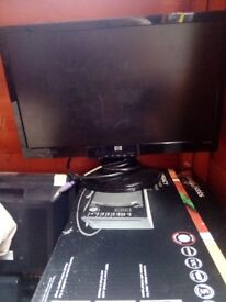 Selling 11 monitors for 50 pounds
