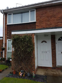 1 Bed Luxury flat, part furnished, 1st Floor self contained, re-furbished with Parking and Garage