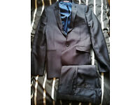 Moss Bros Mens small, blue suit, jacket and trousers EXCELLENT condition ventuno 21