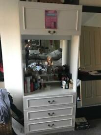 Dressing cabinet with drawers top and bottom