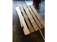 1 Big pallet free to collect in Bedminster