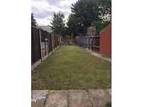 4 Rooms to let (3 double and 1 single). Close to Aston university and City Centre.