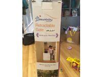 2 unused Dreambaby retractable gates worth £100, buy for £60