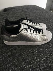 Adidas Superstar - BNIB