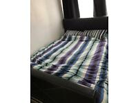 King size black leather frame with memory foam mattress GREAT CONDTION