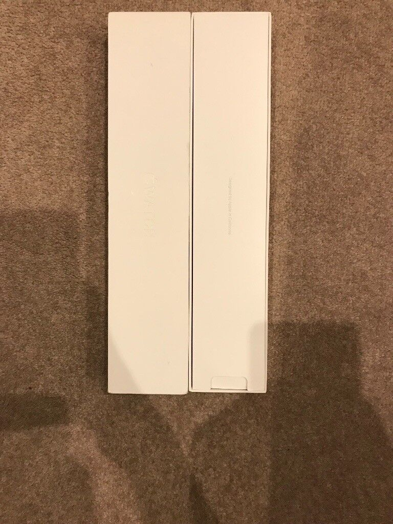Apple Watch series 1 - 38mm - space grey - like new - includes extras