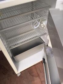 Intergrated fridge can deliver
