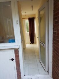 2 bedroom house for rent near Luton airport