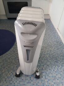 Electric oil heater. Very good condition and clean. Quick sale £15