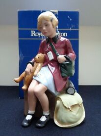 Charming 'The Girl Evacuee' Limited Edition Model HN3203 By Royal Doulton 1998 £160 ono