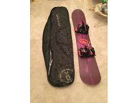 Woman's Burton 149 cm lipstick snowboard with Flow minx bindings and DK hold-all