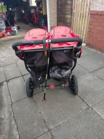 Little Nipper Out'n'about double buggy in red