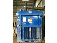 Recycling/waste baler