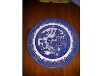 8 Willow Pattern Blue & White Dinner Plates Used